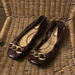 Bass Burgundy Bethanny Ballet Chain Flats Size 8.5